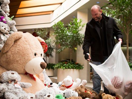 636505795704006941-997515001-teddy-bear-drive-01.jpg
