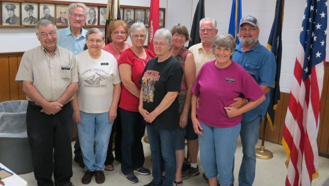 The North Arkansas Woodcarvers Club has completed the 13week Beginners Class. The carvers were introduced to several styles of woodcarving. Shown areGorden Ziesmer, front from left and instructor Nomi Inglett, Donna Davis andSherry Valentine, Back row, Ralph Shackelford, Linda Lopin, Diane Southard, Joyce Houner,Larry Houner and Kim Valentine.