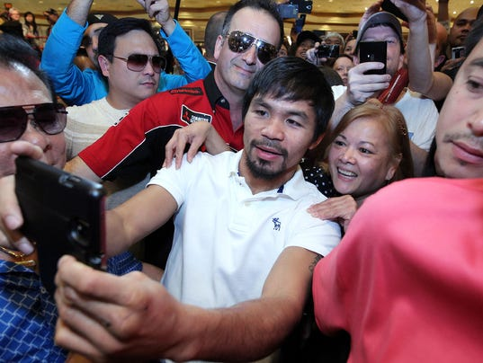 Pacquiao's grand arrival