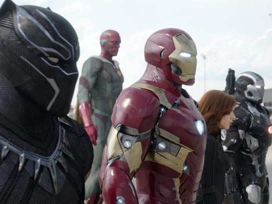 Black Panther (Chadwick Boseman), Vision (Paul Bettany),