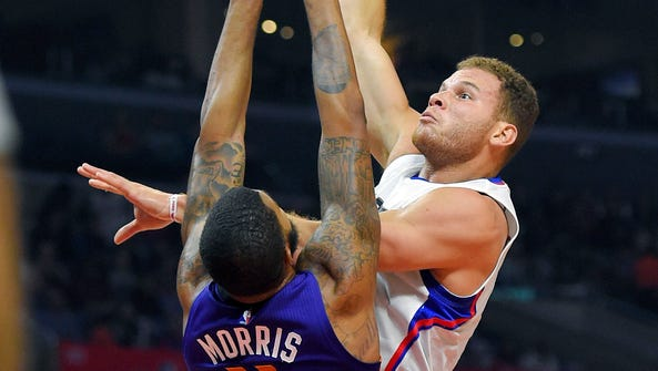 Los Angeles Clippers forward Blake Griffin, right,
