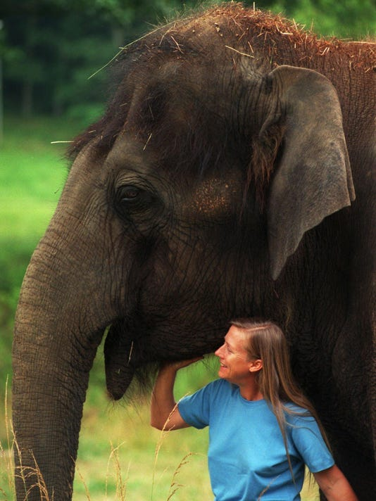 Carol Buckley with Tarra at Elephant Sanctuary