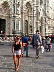 Jenna Intersimone in front of the Cattedrale di Santa