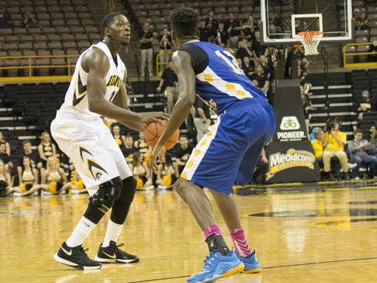 635849388749578882-Iowa-men-vs-Coppin-State-13.jpg