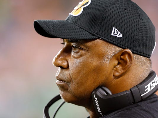 Cincinnati Bengals head coach Marvin Lewis watches from the sideline during the second half of an NFL preseason football game against the Indianapolis Colts in Cincinnati, Thursday, Sept. 1, 2016. (AP Photo/Frank Victores)