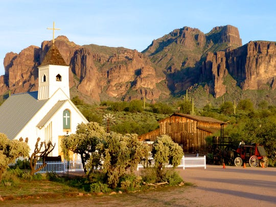 At the Superstition Mountain Museum, the main building is flanked by the Apacheland Barn and Elvis Memorial Chapel. These structures survived a fire at nearby Apacheland Movie Ranch.