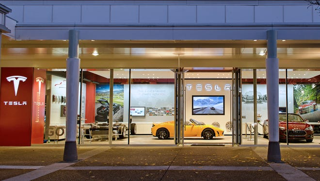 Palo Alto, Calif.-based Tesla Motors is interested in breaking ground in 2016 on a possible 15,000-square-foot service center in the Indianapolis Area.