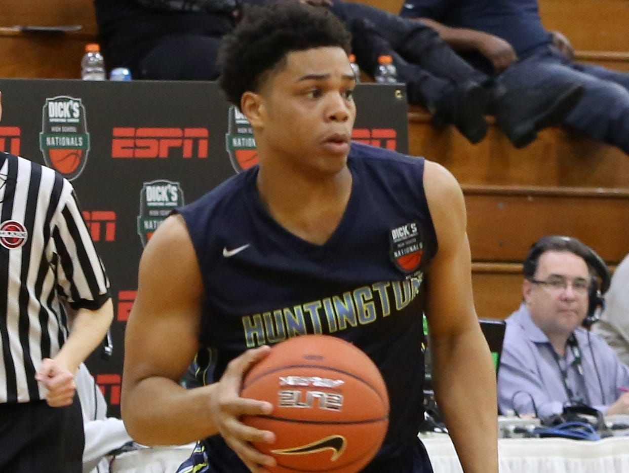 Huntington Prep's Miles Bridges plays against Oak Hill Academy in the Dick's Sporting Goods tournament April 3, 2015, in Queens, N.Y.