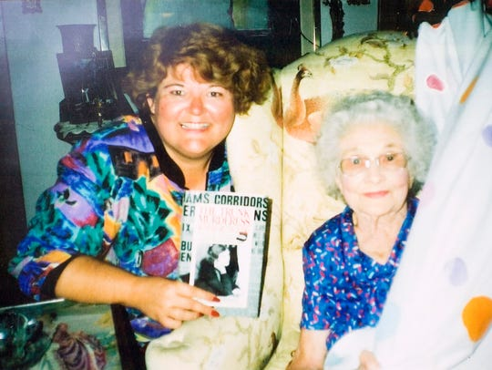 Winnie Ruth Judd, pictured here with author Jana Bommersbach,
