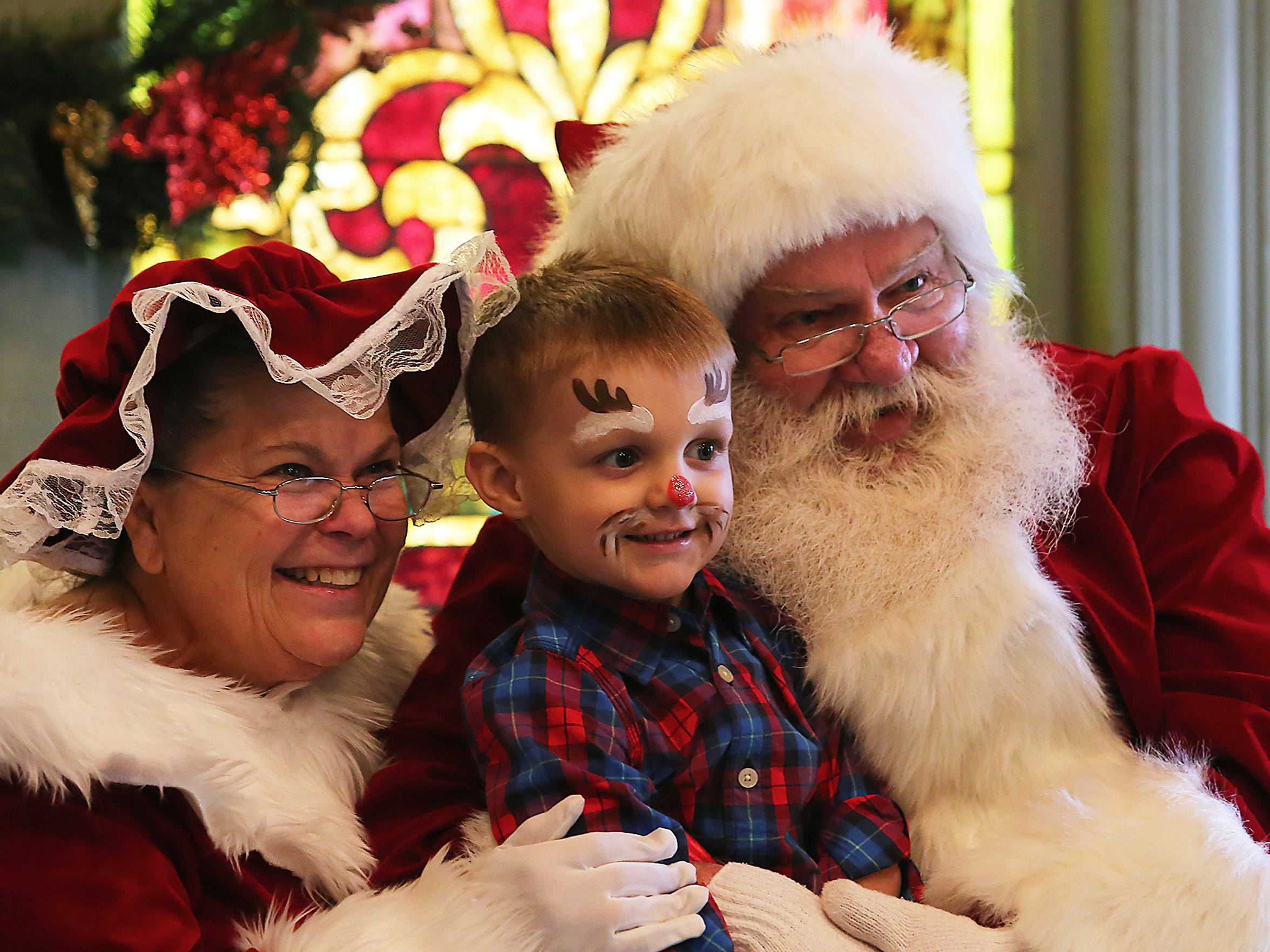 DEC. 3 -- Christmas at Cannonsburgh, 312 S. Front St. in Murfreesboro, is set for 10 a.m. to 3 p.m. Dec. 3. There will be pictures with Santa in the chapel, hot apple cider, a hayride, live music from Emilie Burke and craft vendors, just to name a few holiday activities. Admission is free, although there is a fee for photos with Santa. For details, call 615-890-0355 or email hodges@murfreesborotn.gov.