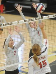 Colorado City's Kaitlyn Kimball (1) and Sara Roach