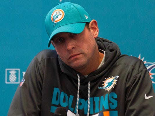 Embarrassed_Dolphins_Football_12412.jpg