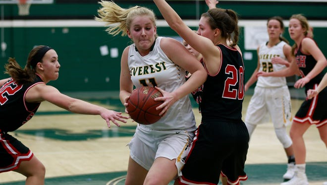 D.C. Everest's Natalie Mohring, who averages 11.2 points and a team-high 6.9 rebounds a game, is one of the reasons why the Evergreens hold down the top spot in the central Wisconsin girls basketball poll.