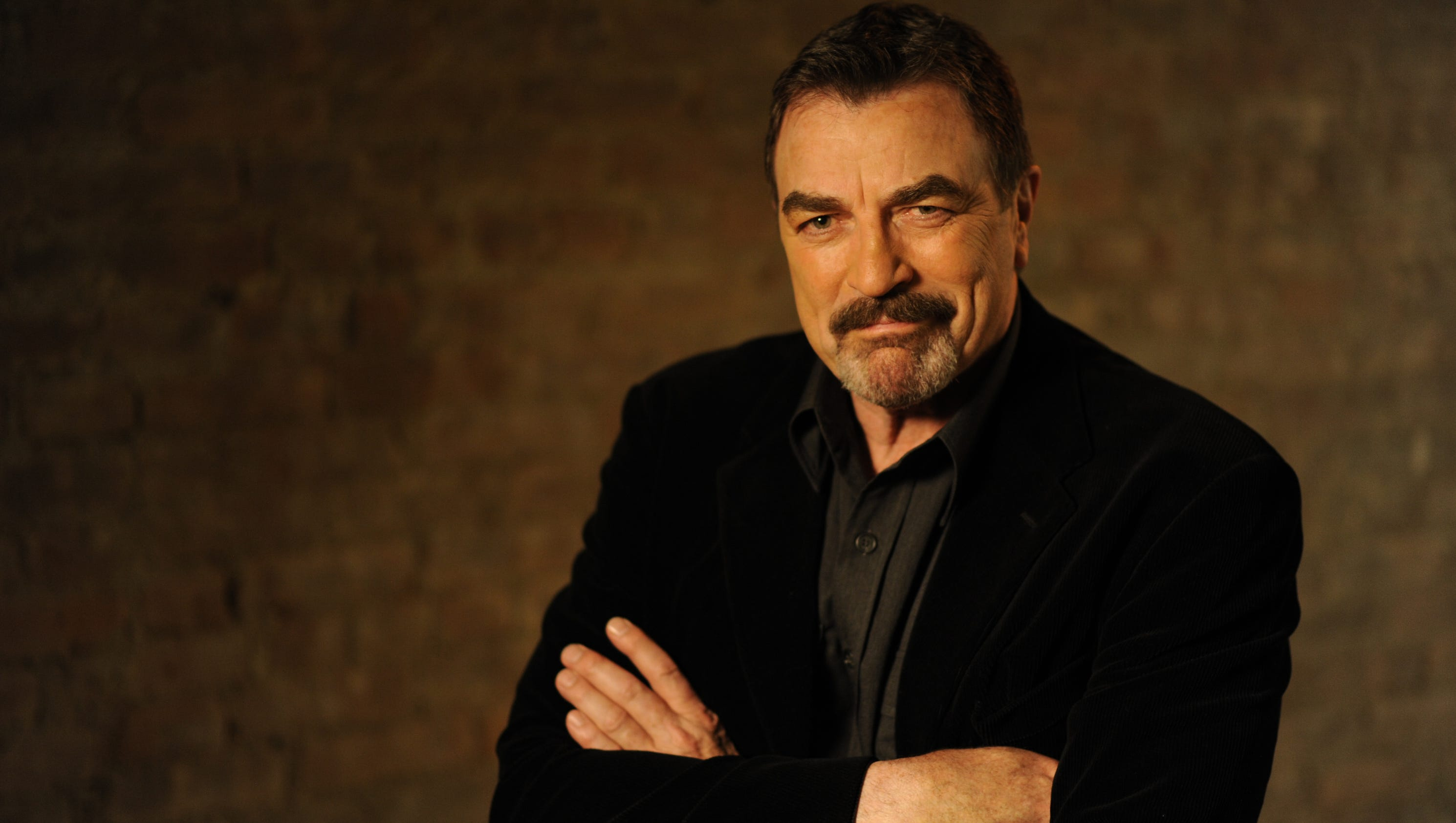 tom selleck accused of stealing water