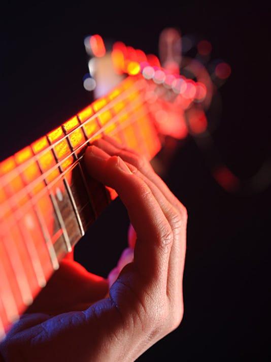 635884788497039895-guitar-neck.jpg