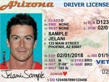 La nueva versión de la licencia de conducir de Arizona se emitió el 16 de junio del 2014, pero no está a la par con los estándares federales del Real ID.