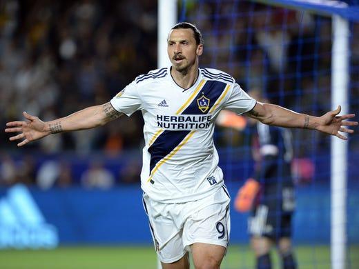 Zlatan Ibrahimović (Los Angeles Galaxy) - After playing