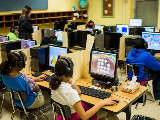 Students at S.J. Montgomery Elementary use Fast ForWord
