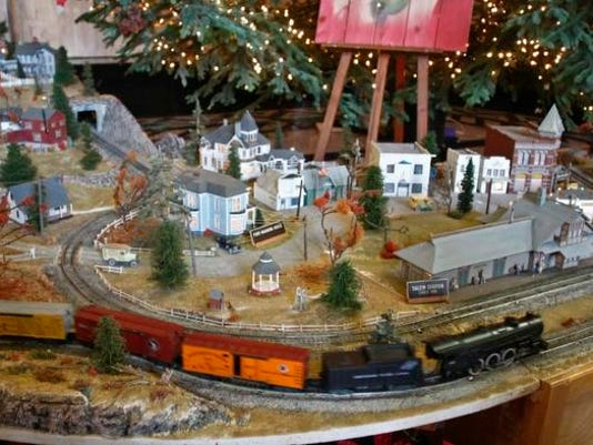 SAL1206-Model Train jump