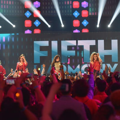 Fifth Harmony performs at Univision's Premios Juventud