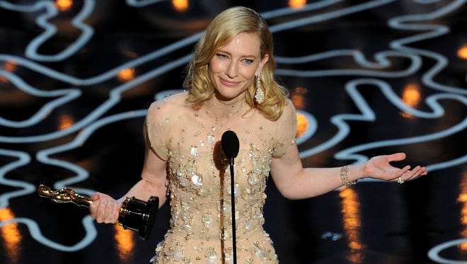 Cate Blanchett had a cryptic message for Julia Roberts during her Oscars acceptance speech.
