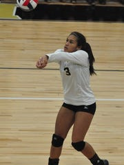 Abilene High's Jaiden Franklin passes the ball during a 2017 game against Lubbock Coronado at Eagle Gym.