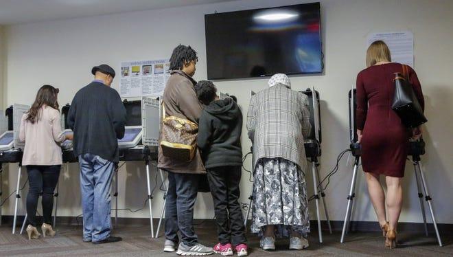 Voting in Atlanta on March 1, 2016.