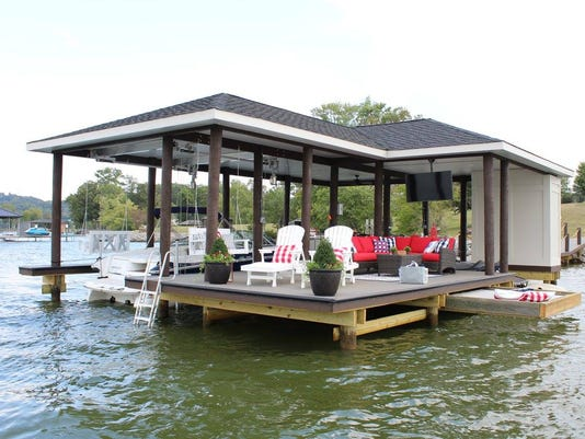 A dock by DOCK & DECK