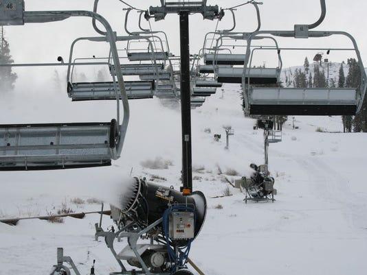 -RENBrd_11-10-2012_RGJ_1_A002~~2012~11~09~IMG_REN1110_skiing_1_1_2A2NDT95~IM.jpg