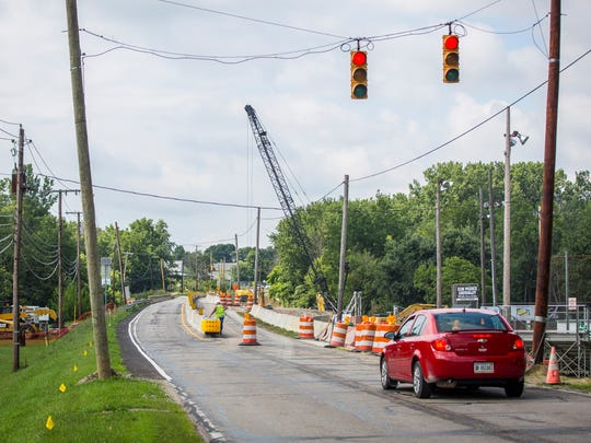 Construction work on the pedestrian side of Tiger Drive bridge takes place during fall 2018. Construction will start again on April 1 with similar traffic patterns during school drop-off and pick-up times.