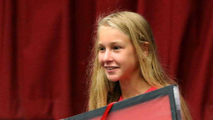 Loucks Games honors Katelyn Tuohy after she set national girls HS 3,200-meter mark there