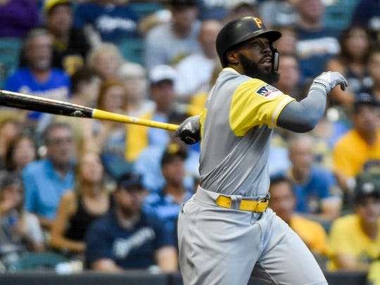 Josh Harrison ties the game with an RBI double.