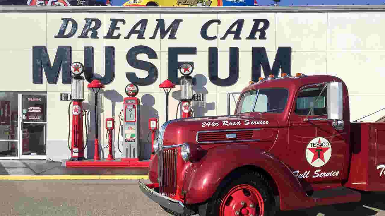 Inside Bennett\'s Dream Car Museum