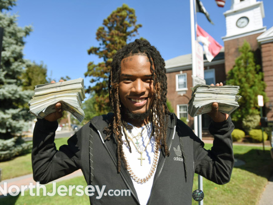 Fetty Wap Shows Up To Nj Court With Stacks Of Cash