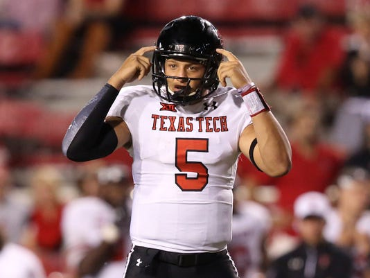 USP NCAA FOOTBALL: TEXAS TECH AT ARKANSAS S FBC USA AR