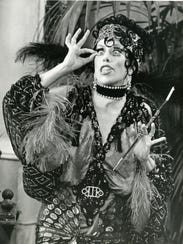 For Carol Burnett Bob Mackie Clothes Make The Comic Woman
