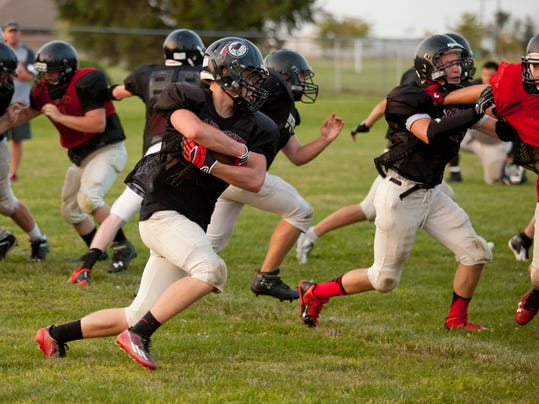 PTH0827 SANDUSKY FOOTBALL18.jpg