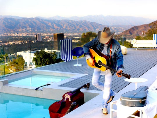 Dwight Yoakam sings at the Montgomery Performing Arts