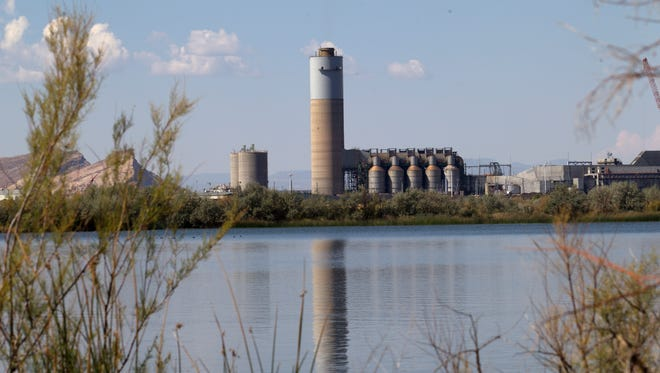 A federal decision to extend operations at the Four Corners Power Plant in Waterflow for 25 years is being challenged by five environmental groups.