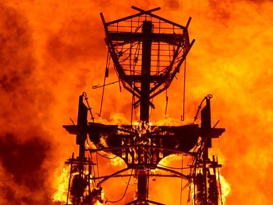 635902595786619854-Burning-Man-2.jpg