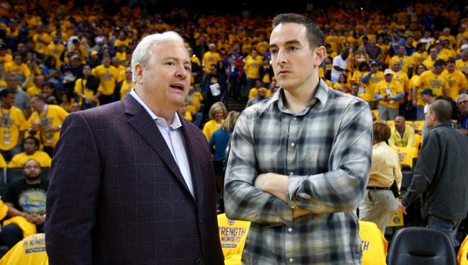 Grizzlies general manager Chris Wallace, left, with controlling owner Robert Pera.