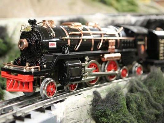 TJN 0222 train show