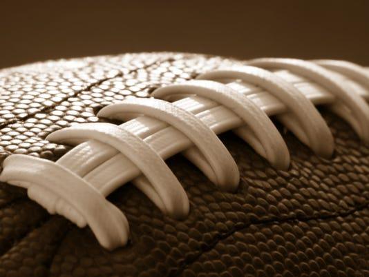 635858670112848289-Football-close-up-2.jpg
