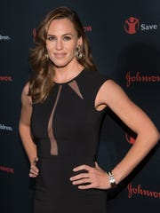 Jennifer Garner attends the Save the Children Illumination