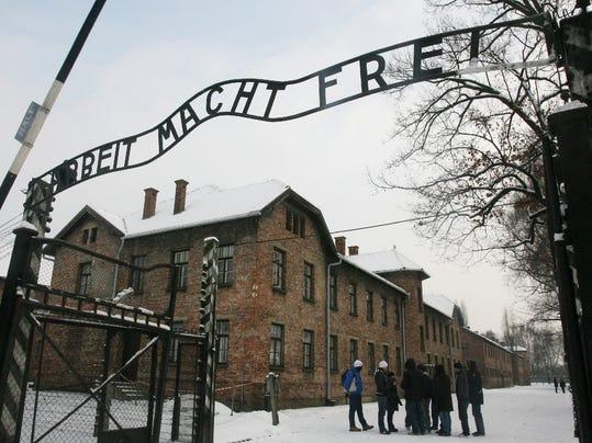 -Poland_Auschwitz__WAR856.jpg_20091218.jpg
