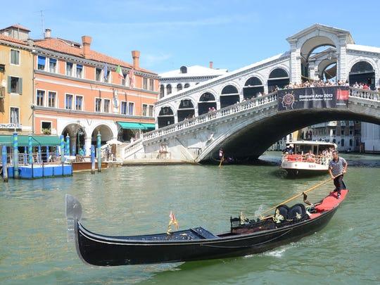 AP_Italy_Gondola_Death