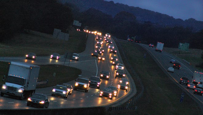 Evening rush-hour traffic creeps toward Gallatin in the eastbound lane of State Route 386 at Indian Lake Boulevard.