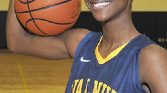 Walnut Hills junior guard Taylor Darks committed to Furman