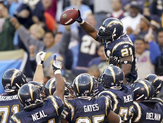 LaDainian Tomlinson #21 of the San Diego Chargers celebrates