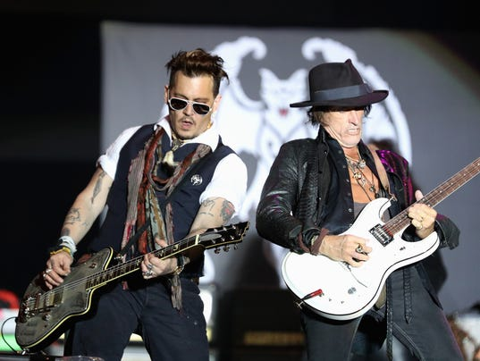 turning stone concerts hollywood vampires with johnny. Black Bedroom Furniture Sets. Home Design Ideas